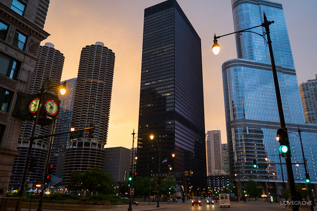 01. Chicago at dusk. Fuji X-Pro1, 18mm lens, ISO 250, 1/60th second at f/2.8