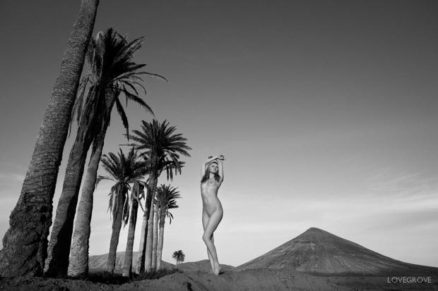 32. Palms, a volcano and Carla Monaco.