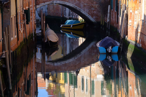 Venice bridge reflection captured with the Fuji X-Pro2