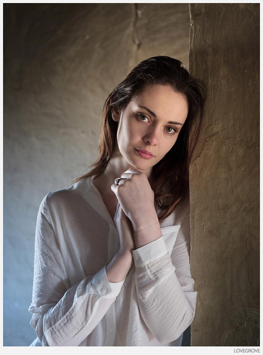 photo Afshan Azad (born 1988)